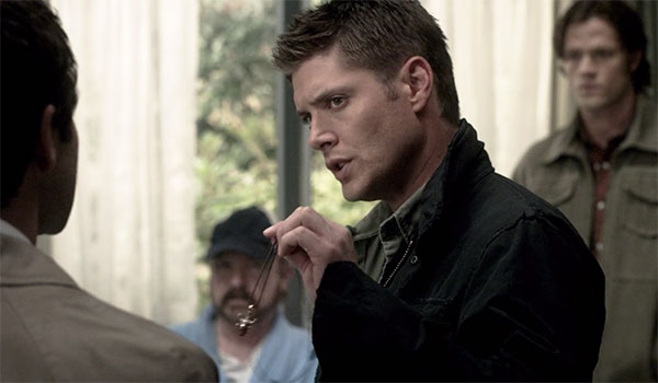 Supernatural Dean Winchester amulet necklace s5e2